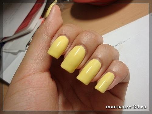 Желтый маникюр, лучшие варианты фото дизайна 2021