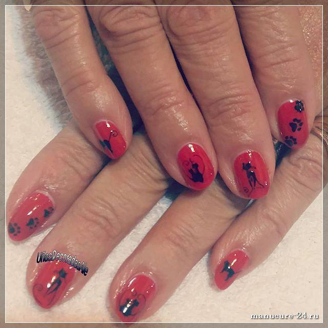 Красные ногти с рисунком: на что обратить внимание?