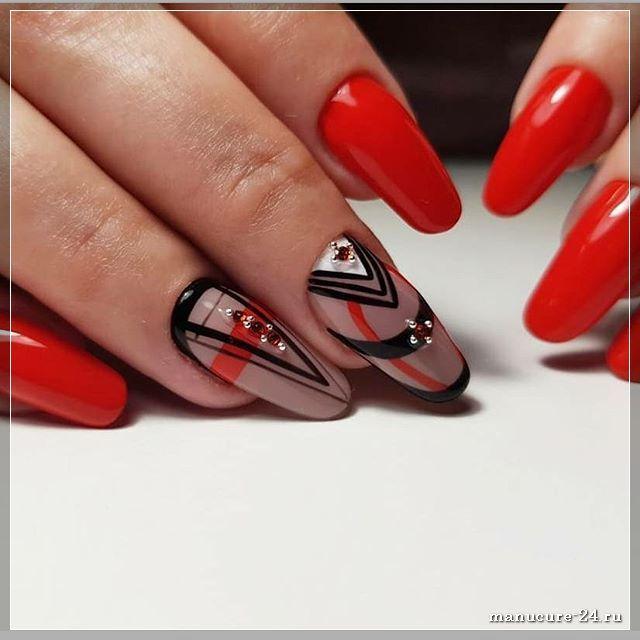 Объединение красного и черного цвета в маникюре: интересные идеи