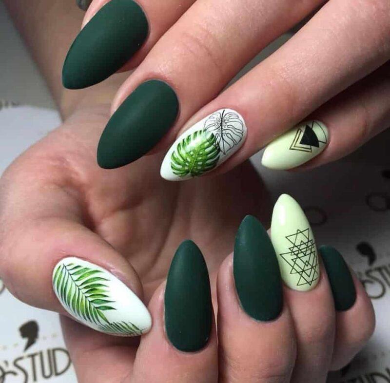 Сезонный тренд Green Nails 2021