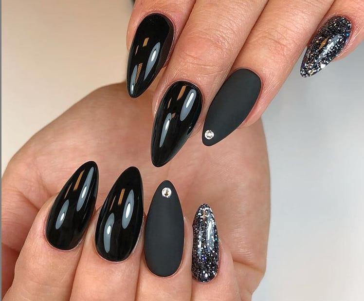 Миндальные ногти 2021: 27 новых современных вариантов